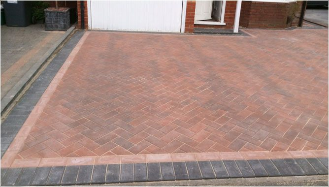 PageLines-block-paving-wythall.jpg
