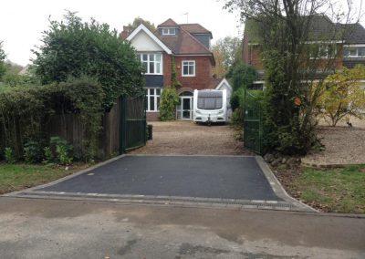 new-tarmac-driveway-anstey1